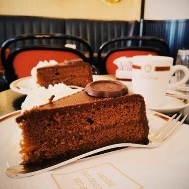 sacher-kakku