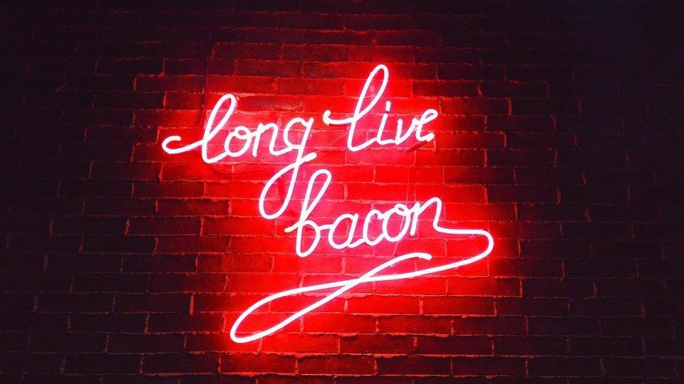 Vegaanipekoni - long live bacon